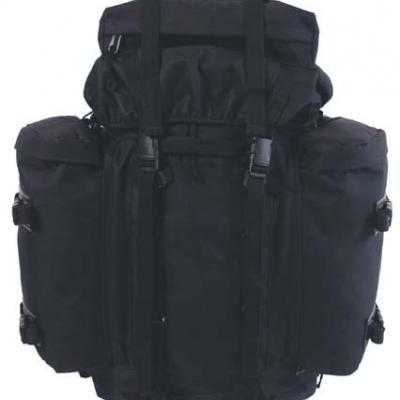 100 literes hátizsák fekete